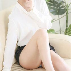 【セラピスト】 愛川 桃子